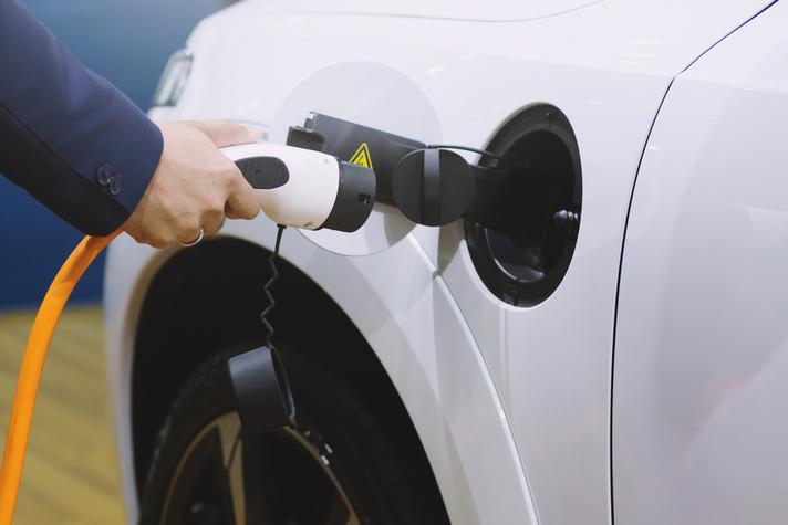 cuando recargar coche eléctrico nueva factura luz